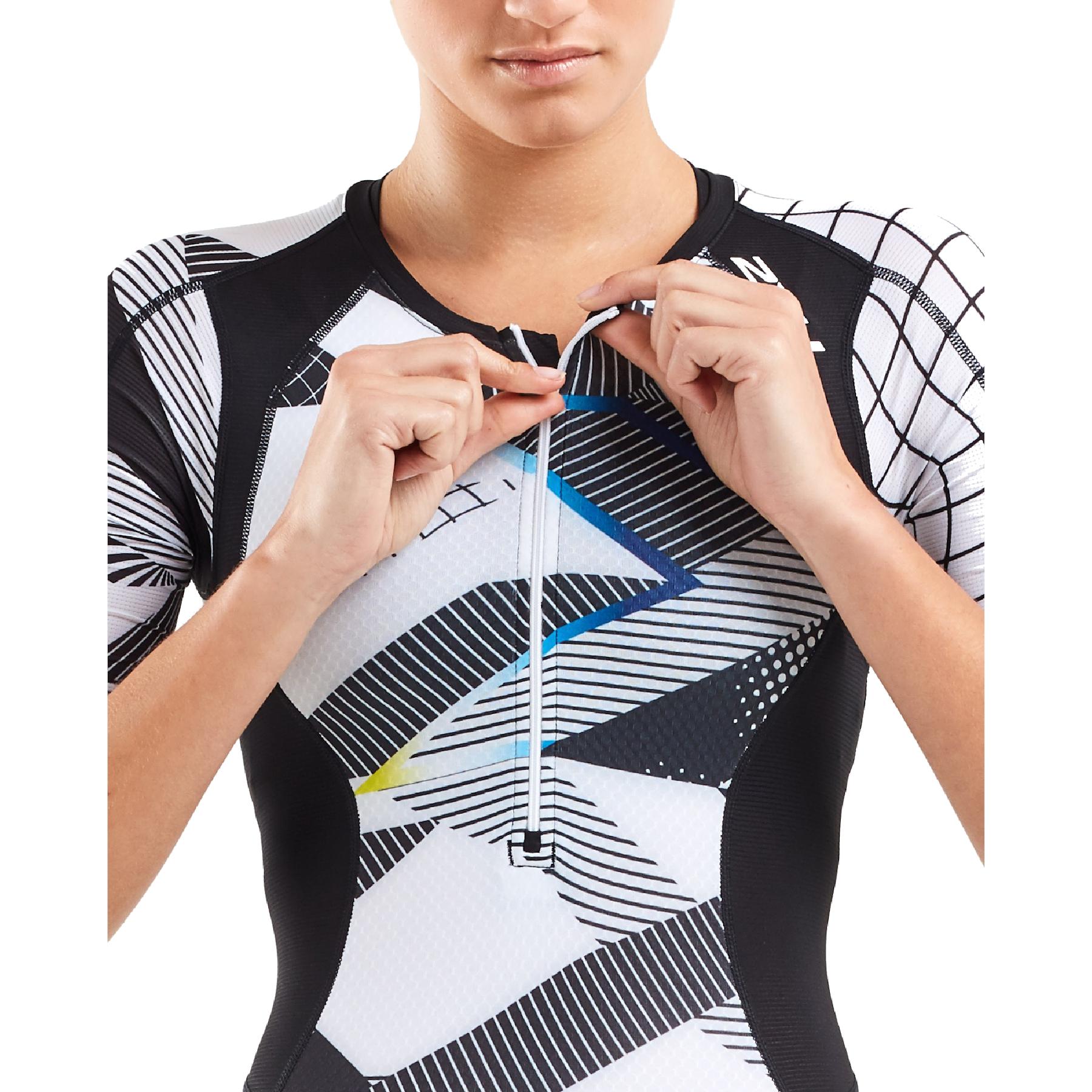 Imagen de 2XU Compression Women's Sleeved Trisuit - black/chroma
