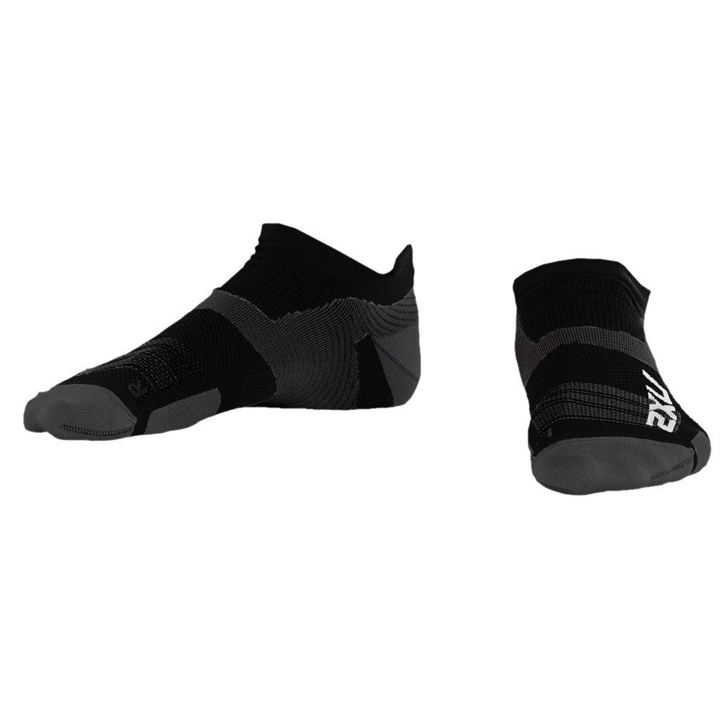 2XU Men's Vectr Ultralight No Show Sock - black/titanium