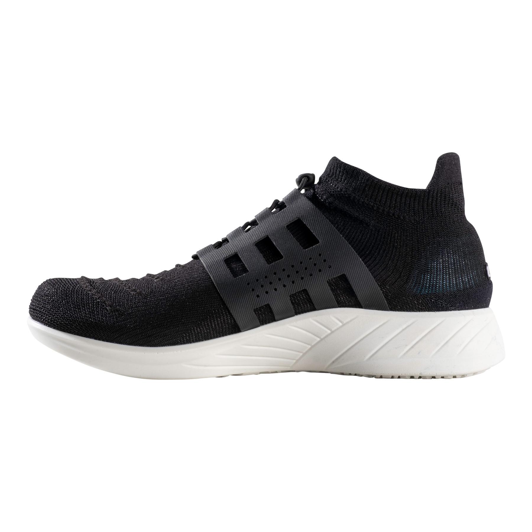 Image of UYN X-Cross Tune Man Running Shoes - Optical Black/Black