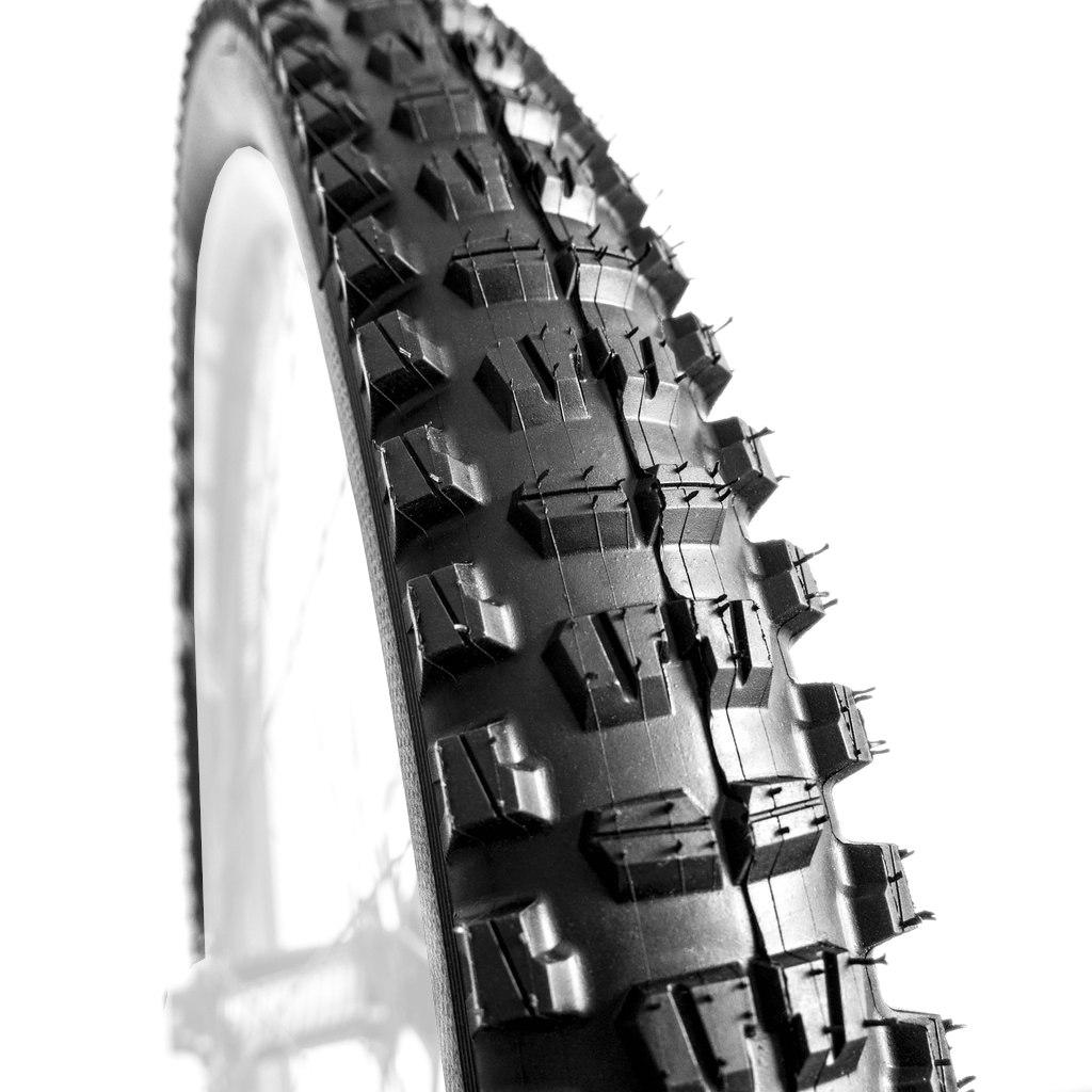 e*thirteen TRS Race All-Terrain Trail MTB Folding Tire - Race Compound - 27.5x2.4 Inches - black