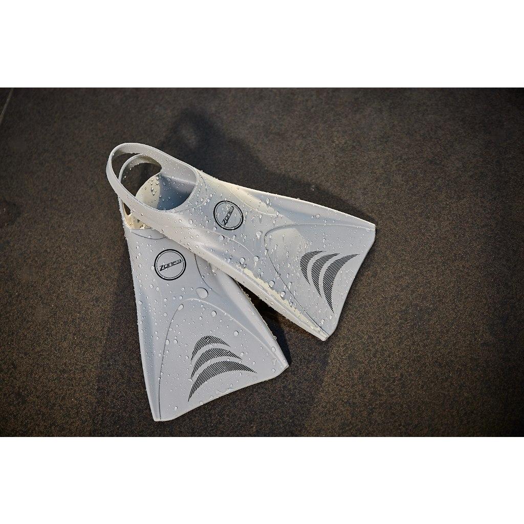 Bild von Zone3 Silikon V-Flex Schwimmflossen - silver