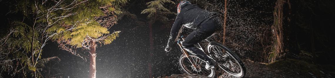 Endura – Wegweisende Fahrradbekleidung, Helme, Protektoren & Accessoires