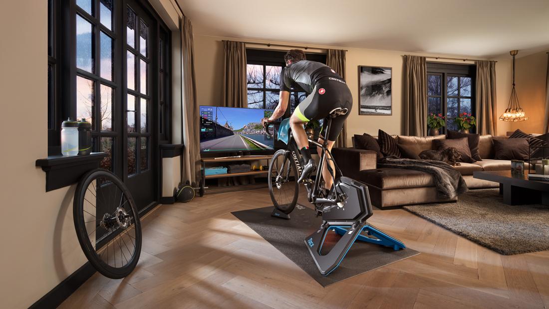 Tacx Neo 2T ein interaktive Heimtrainer mit dem deine Rennen von Zuhause gewinnst