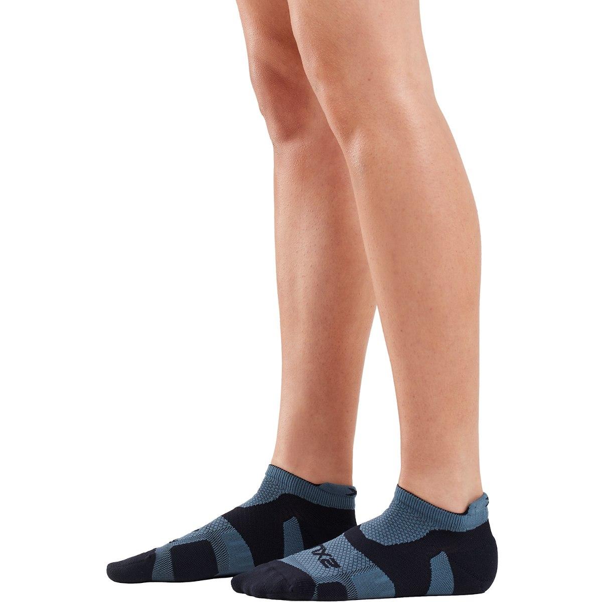 Imagen de 2XU Vectr Light Cushion No Show Socks - turbulence/black