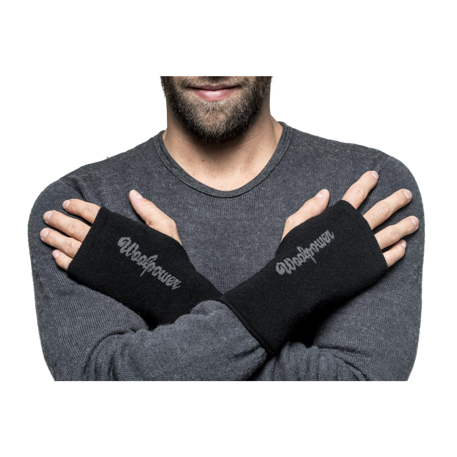 Image of Woolpower Wrist Gaiter 200 - black