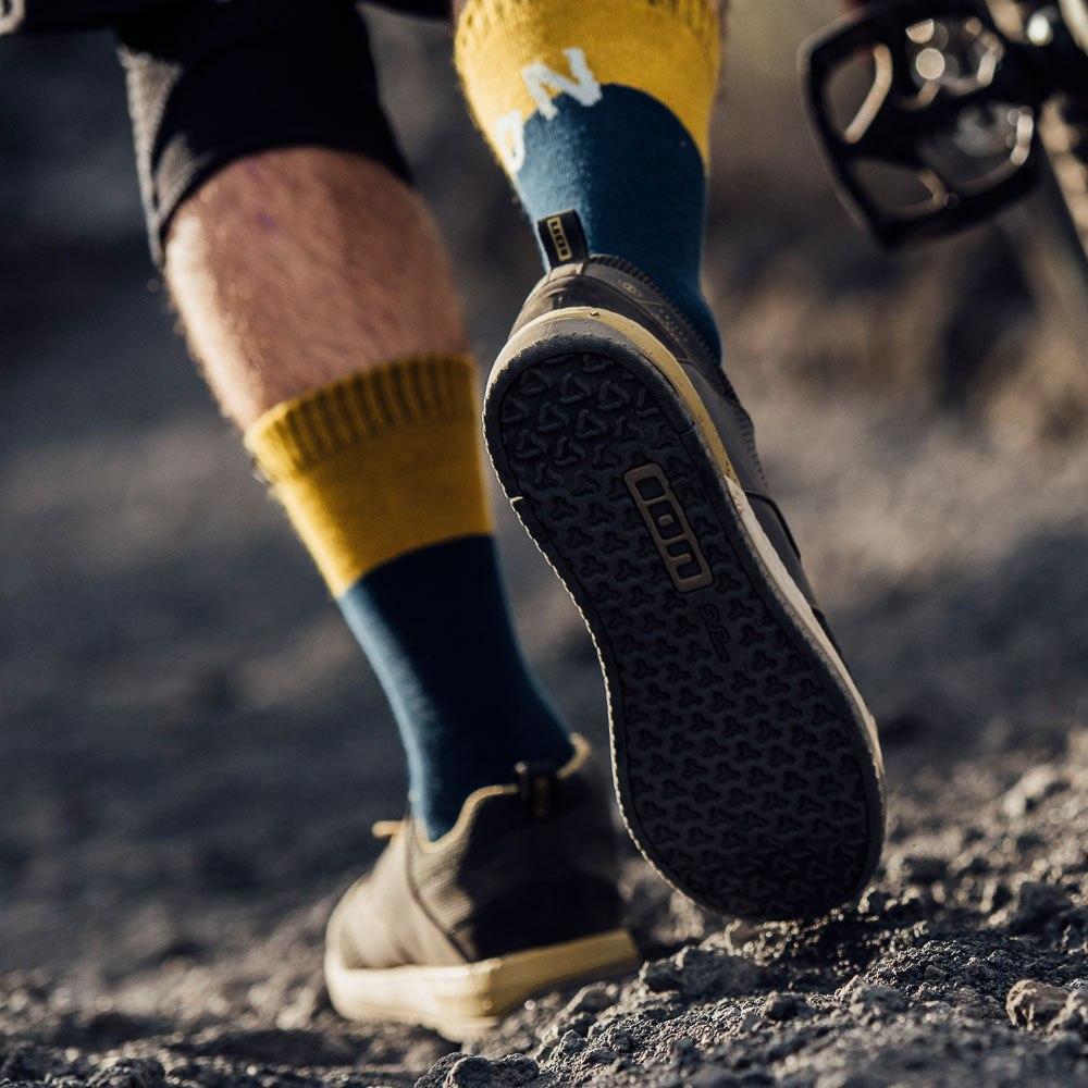 Image of ION Bike Unisex Socks Scrub - ocean blue