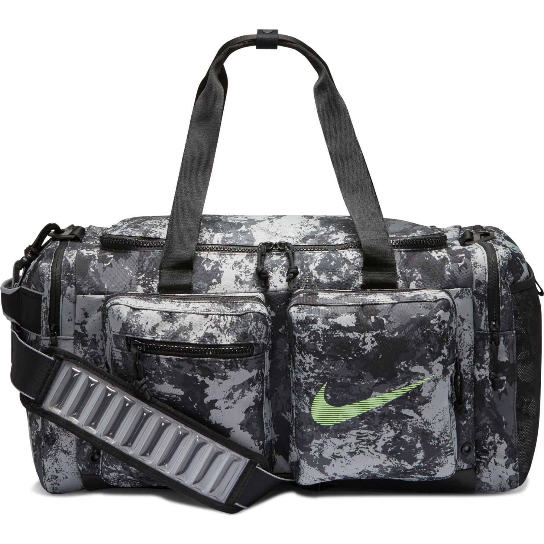 Produktbild von Nike Utility Trainingstasche (Medium) - particle grey/black/lime blast CK5822-073