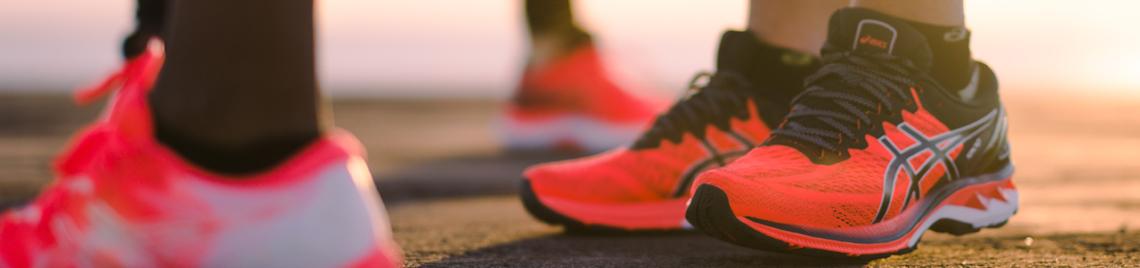 asics – Laufschuhe und Activewear