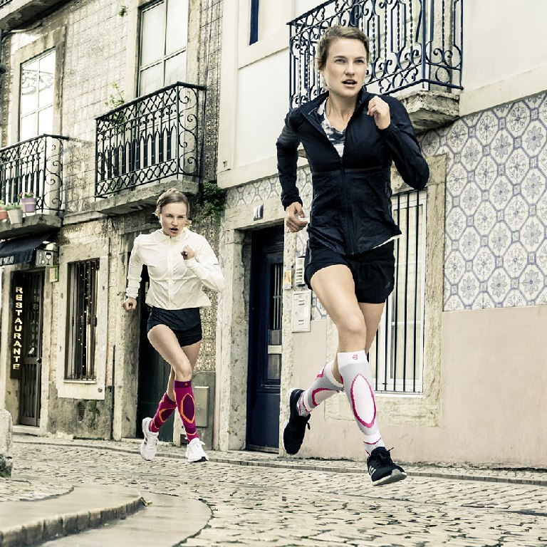 Image of Bauerfeind Run Performance Women's Compression Socks - pink