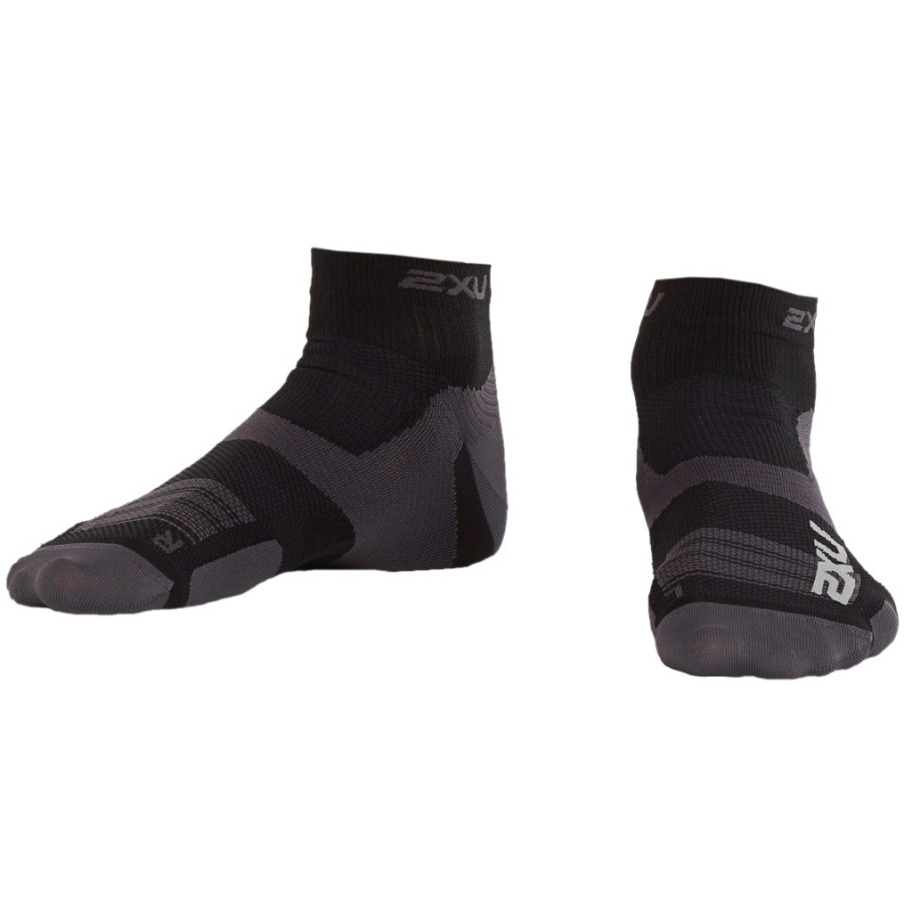 2XU Men's Vectr Ultralight 1/4 Crew Sock - black/titanium