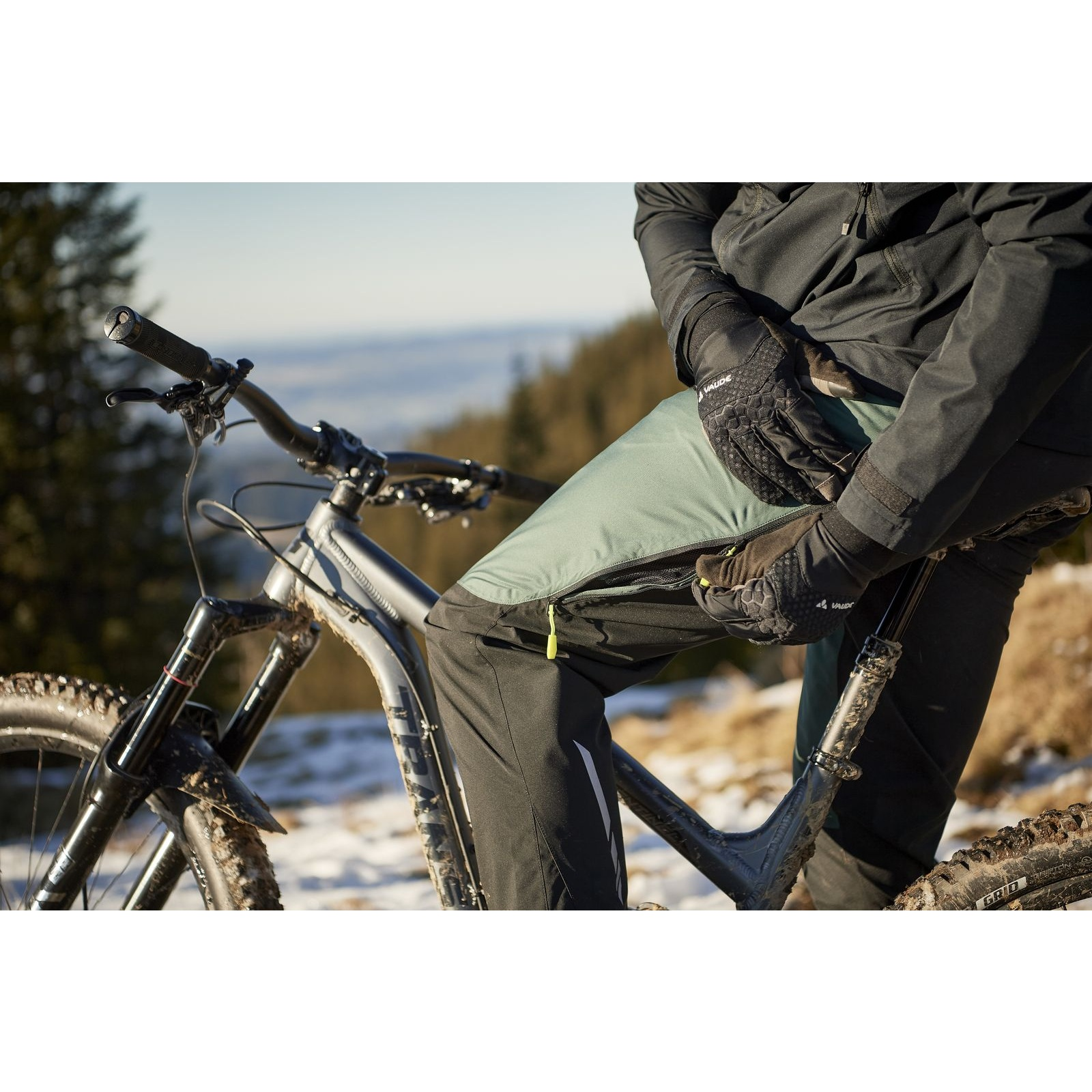 Image of Vaude Men's All Year Moab 2in1 Rain Pants - dusty forest